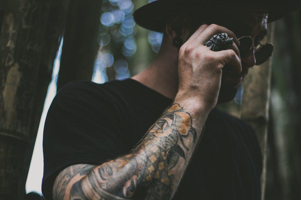 piękny tatuaż na ręce